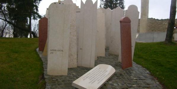 Hatvanöt éve gyilkolták meg Szerb Antalt