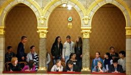 Borsodi roma diákok a karzaton: iskoláik veszélyben vannak