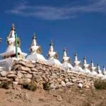 """A """"Kilenc Híres Khutagt"""" emlékművei Mongóliában, Uliastai helységben Zavkhan Aimag megyében, azon a vidéken, ahol az előző Diluv Khutagt született"""