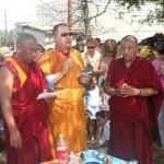 A Rinpocse szertartásokat vezet a kalmük fővárosban, Elisztában 2