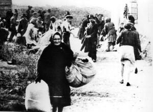 Vidéki gettó kifosztása 1944-ben (Magyar Nemzeti Múzeum)