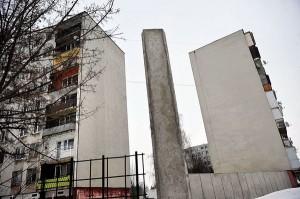 A fal vége (Fotó: Népszabadság - Móricz Simon)